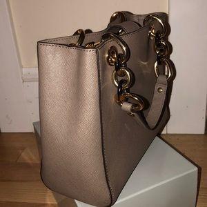 Michael kors Leather bag!!